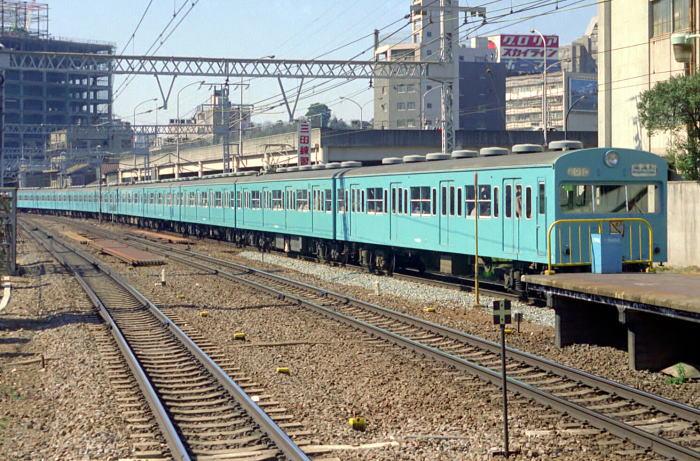 http://kokuden.net/mc103/sub,htm/sub103-train.htm/sub103-traintop/sub103-kehise.tr/sub103-kehise1/74c-01-29a1.KehiseHokkou.forMiu.Tc3MMT.McMTMMTcura.74.2.28Tamachi.jpg